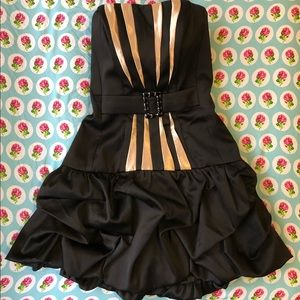 Jessica McClintock short black & gold prom dress